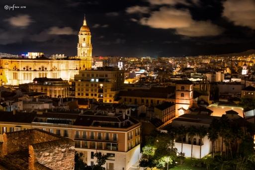 Malaga noche desde la Alcazaba wp