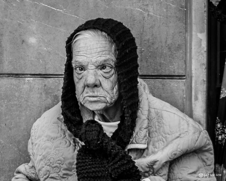 Mujer de calle Granada