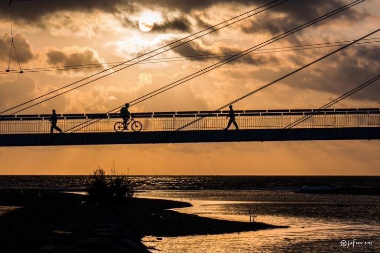 contraluz-puente-fuengirola-wp